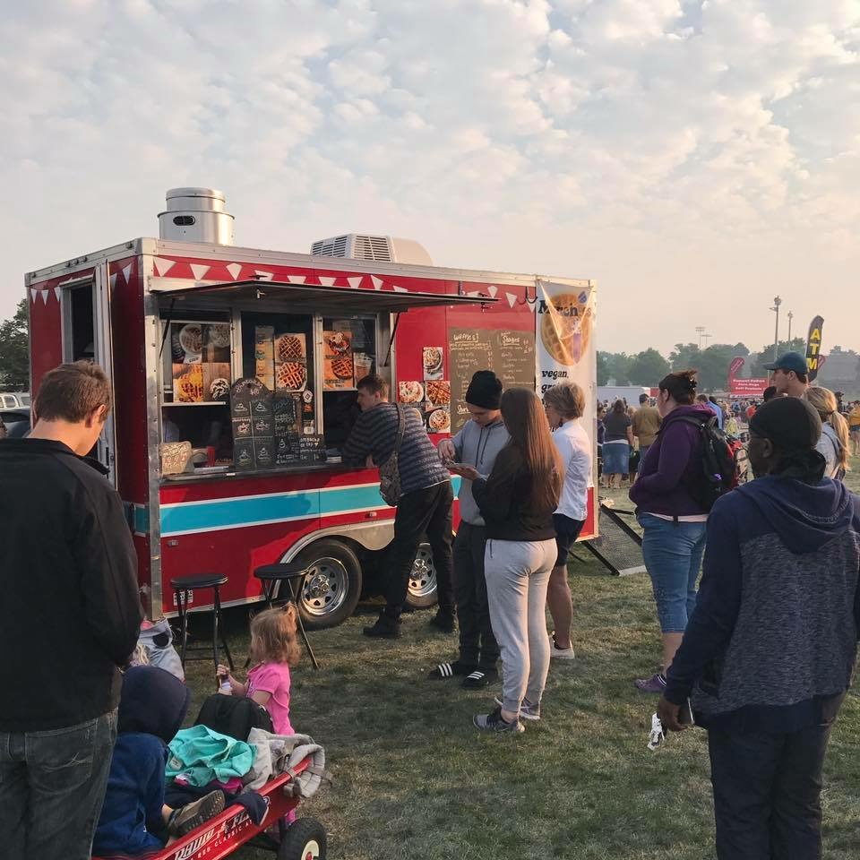 Munchies food trailer in operation early in the morning at Labor Day Liftoff 2017.