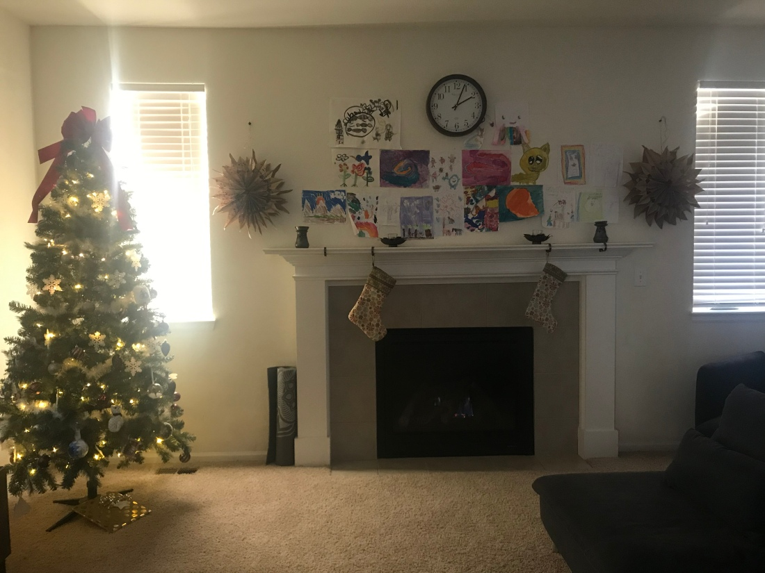 Christmas tree, fireplace, mantle